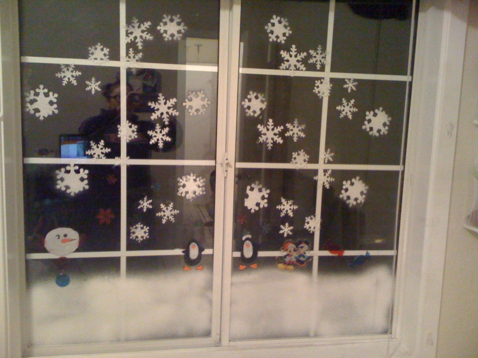 Headmaster Closes School After Mistaking Christmas Window Display For Real Snow The Rotherham Bugle